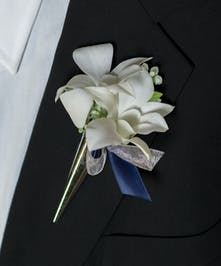 Uncommon Glamour Boutonniere