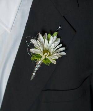 Simply Sweet Boutonniere